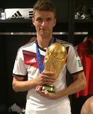 Muller Thomas